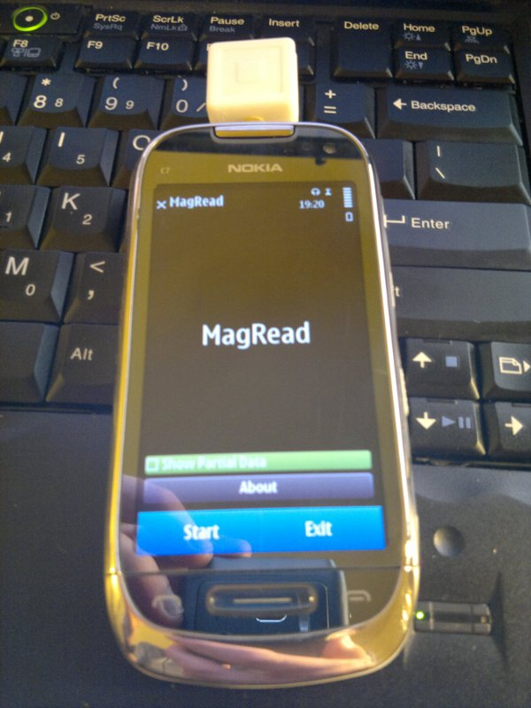 The Nokia C7 running MagRead